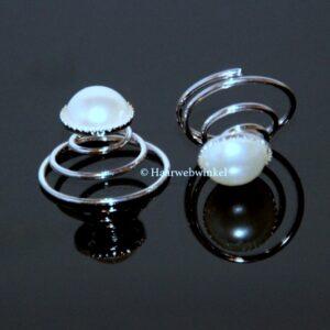 Curlie Met Platte Parel 9mm Kleur Wit EBC45-Wit
