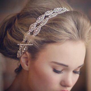 De trend van 2017.. Ibiza style haarbanden/diademen! Bohemian maar toch stijlvol. Te bestellen op www.haarwebwinkel.nl #bruid #bride #bruidsmeisje #bridesmaids #trouwen #trouwerij #huwelijk #weddings #weddinghair #bruiloft #communie #bruidskapsel #bridalhair #haar #haarspeldjes #tiara #diadeem #haarwebwinkel #picoftheday